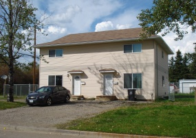 7710 89th Ave, Fort St John, ,Duplex,For Rent,89th Ave ,1089